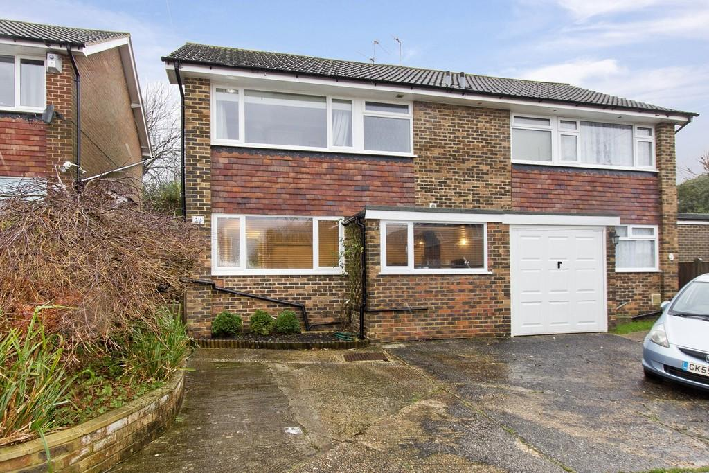 3 Bedrooms Semi Detached House for sale in Springfield Close, Crowborough