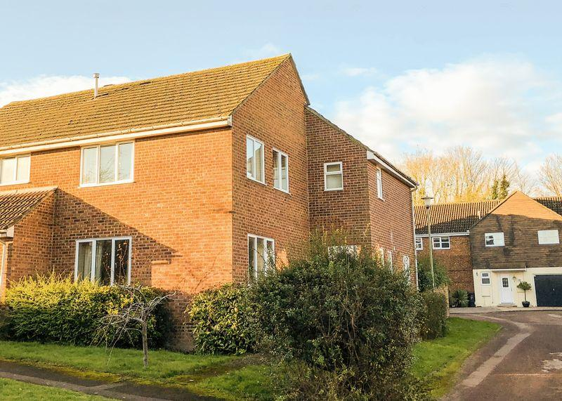4 Bedrooms Semi Detached House for sale in OPEN HOUSE SATURDAY 27th JANUARY 2018 12:00 to 14:00