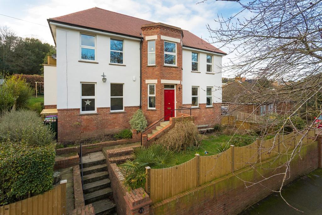4 Bedrooms Detached House for sale in 1, Enbrook Road, Sandgate, Folkestone, CT20