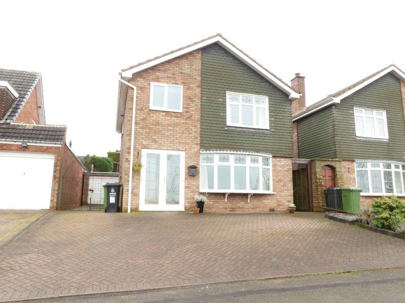 4 Bedrooms Detached House for sale in Foley Road West, Streetly