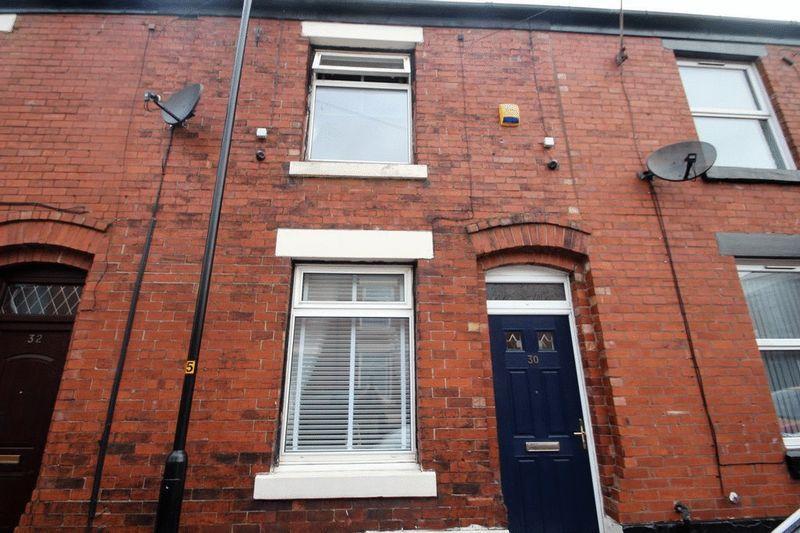 2 Bedrooms Terraced House for sale in Melville Street, Castleton, Rochdale OL11 2UQ