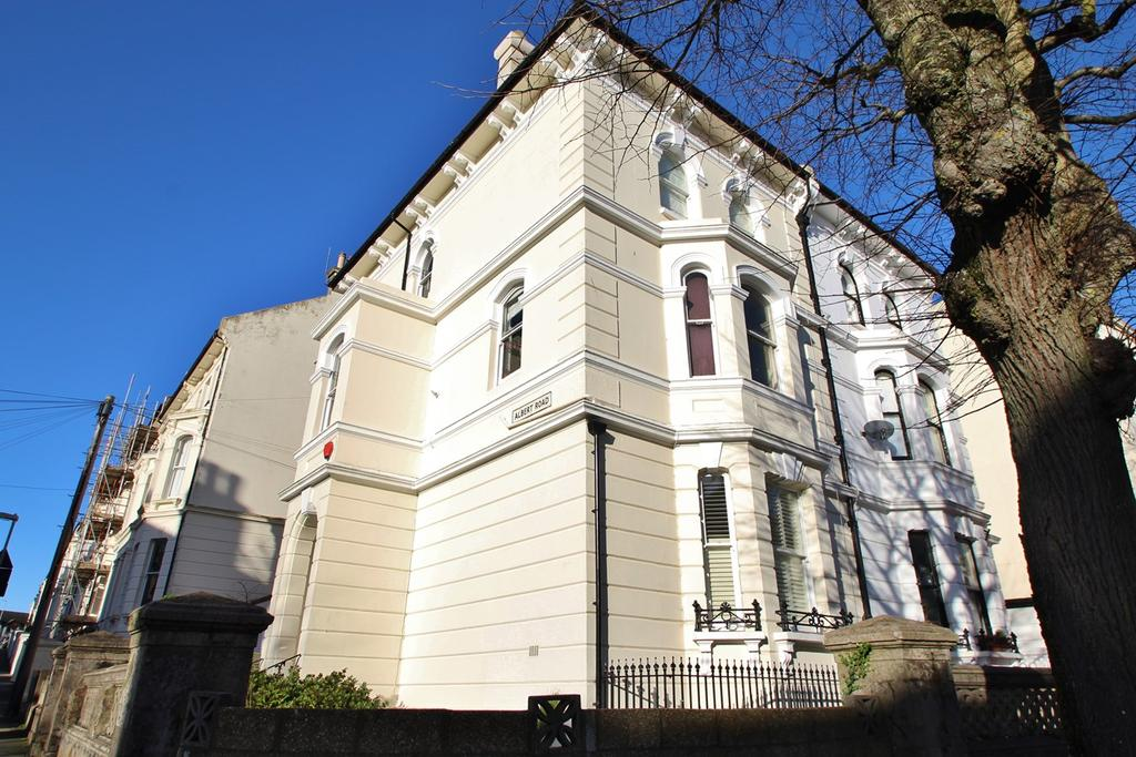 1 Bedroom Flat for sale in Buckingham Road, Brighton, BN1