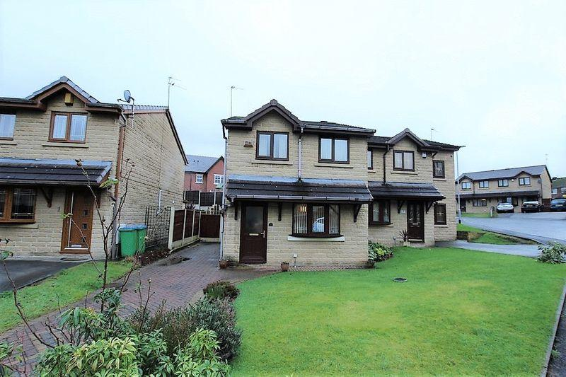 3 Bedrooms Semi Detached House for sale in Pear Close, Alkrington, Middleton, Manchester M24 1GU