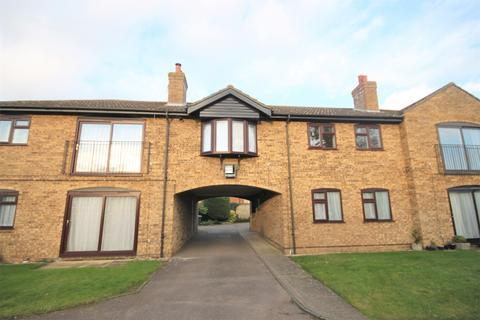 1 bedroom flat to rent - Aylmerton Court, Shefford, SG17