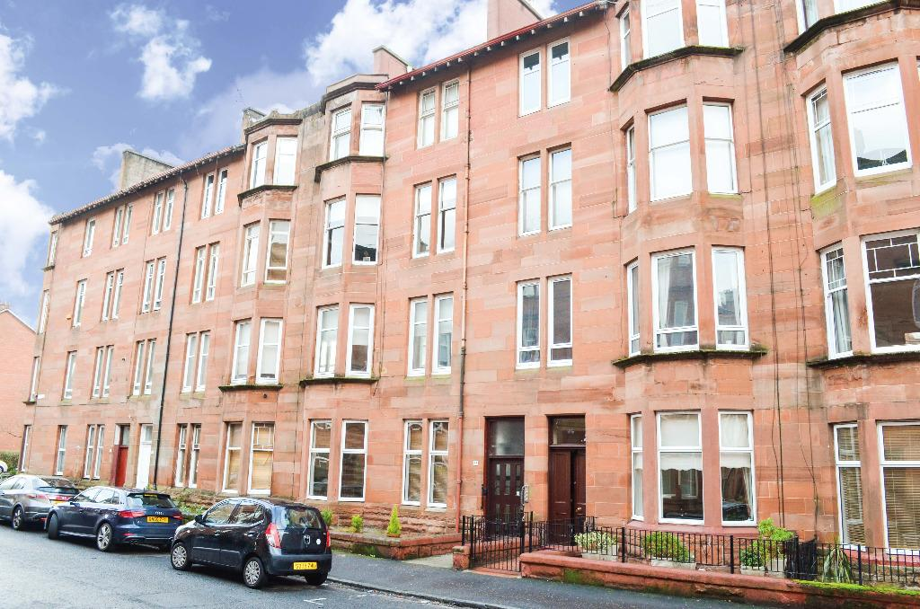 2 Bedrooms Flat for sale in Cartvale Road, Flat 1/1, Langside, Glasgow, G42 9SW