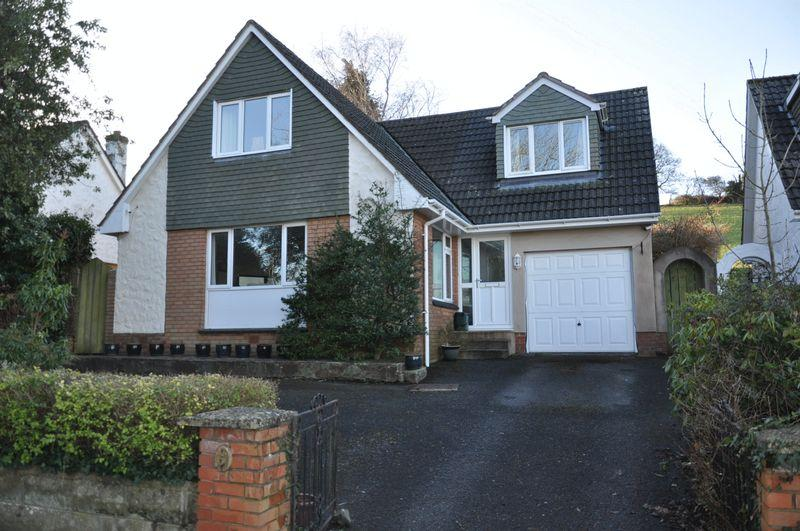 4 Bedrooms Detached Bungalow for sale in Sandford Close, Barnstaple