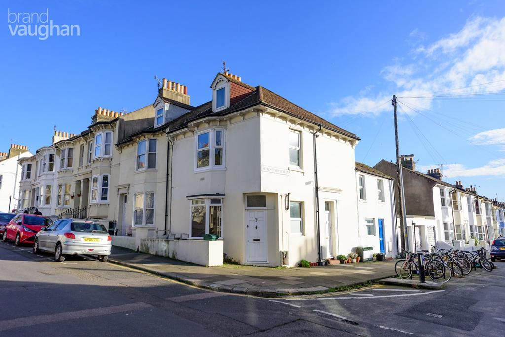 2 Bedrooms Flat for sale in Ditchling Rise, Brighton, BN1