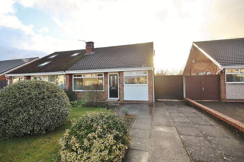 2 Bedrooms Semi Detached Bungalow for sale in Cornwall Way, Ainsdale