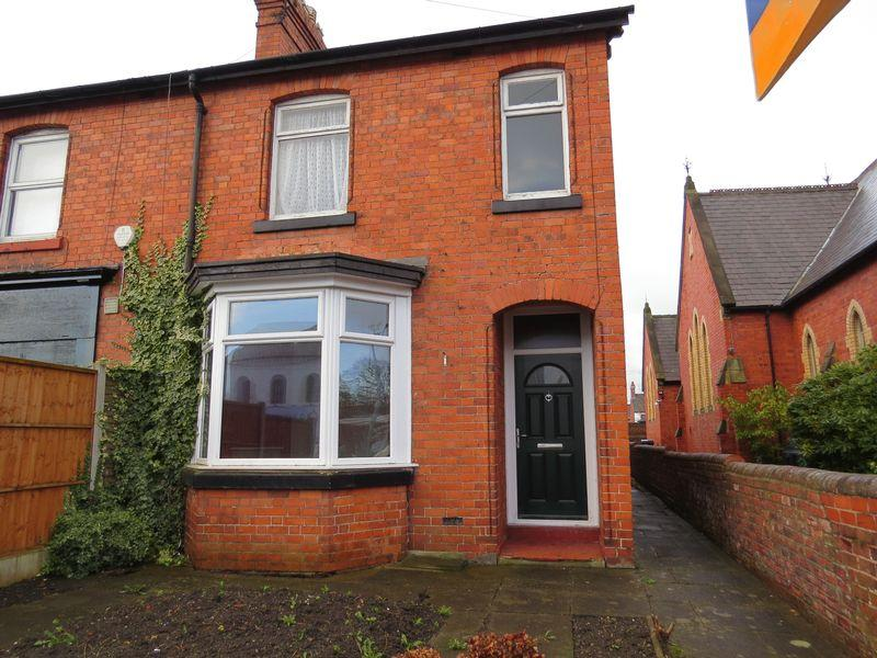 3 Bedrooms Semi Detached House for sale in Victoria Road, Oswestry, SY11 2HW