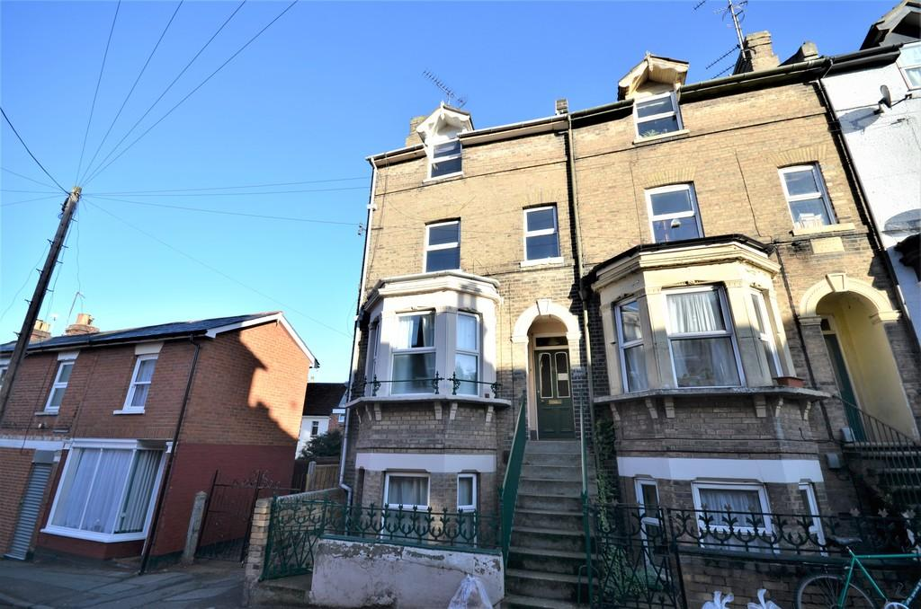 7 Bedrooms End Of Terrace House for sale in Alexandra Road, Colchester, CO3 3DB