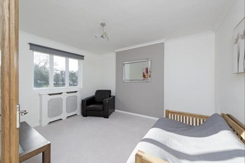 1 bedroom apartment to rent - Grafton Square, SW4