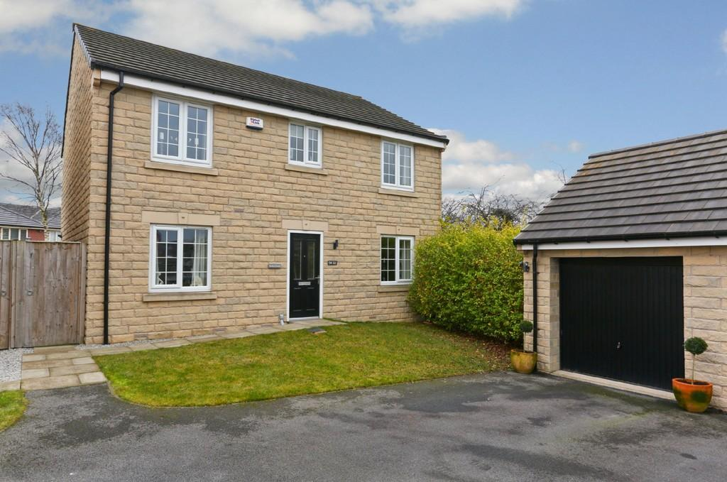 4 Bedrooms Detached House for sale in Noble Road, Outwood