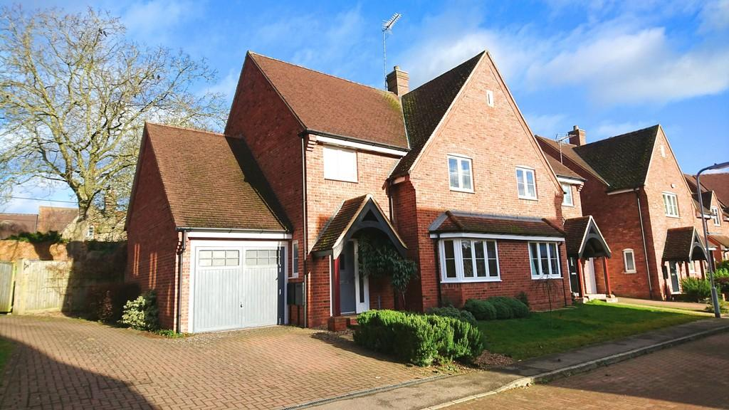 4 Bedrooms Semi Detached House for sale in School Close, Westbury