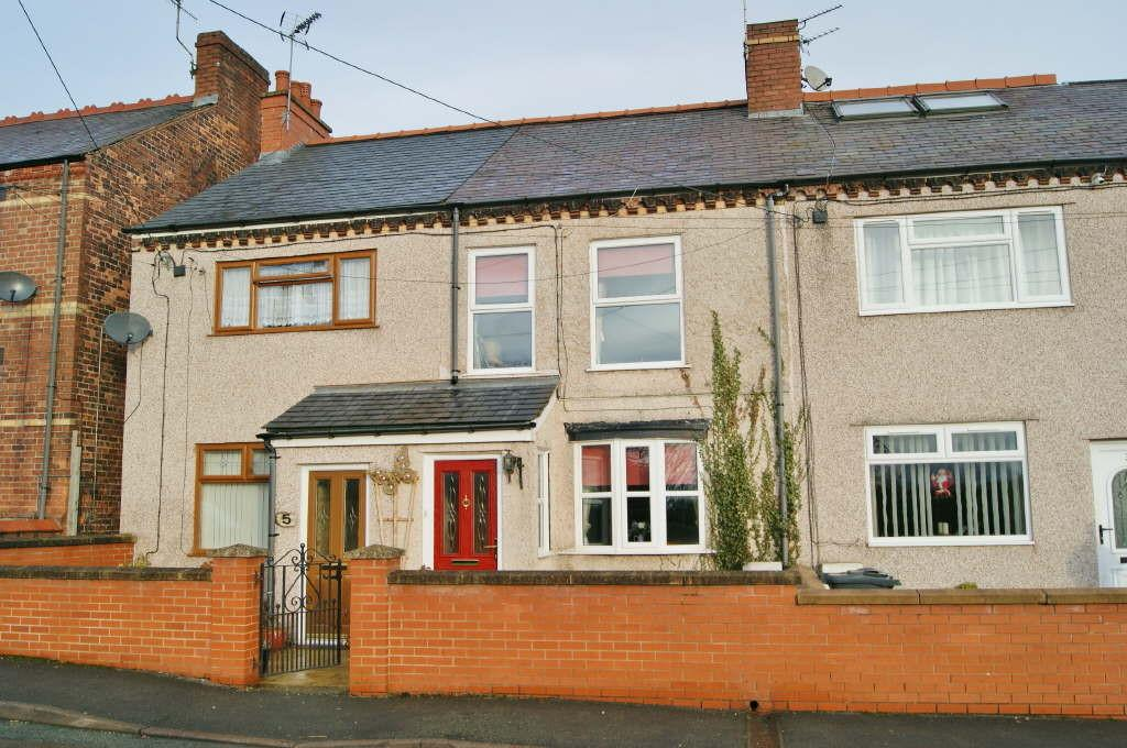 2 Bedrooms Terraced House for sale in St. Albans Road, Tanyfron