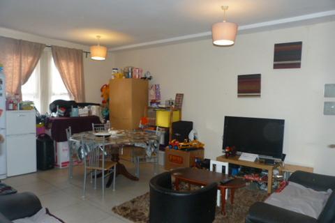 4 bedroom flat to rent - Strode Road, Willesden, London