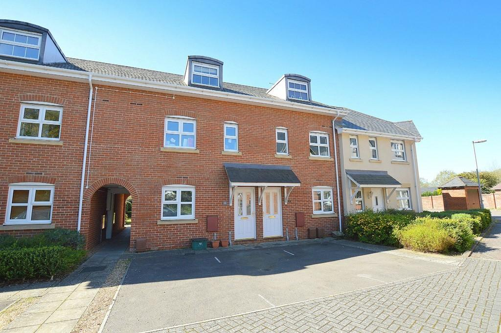 2 Bedrooms Town House for sale in Newmans Close, Wimborne