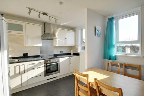 2 bedroom flat to rent - Redbridge Lane East, Ilford