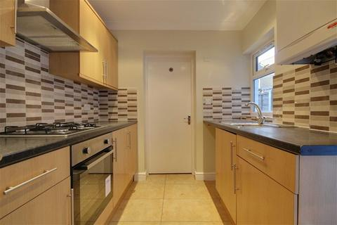 4 bedroom house to rent - Coopers Lane, Leyton