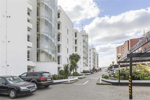 2 bedroom flat to rent - Barrier Point Road, Docklands/Excel
