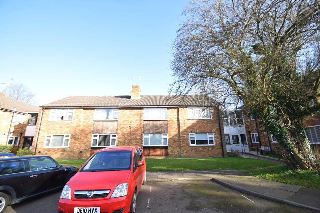 2 Bedrooms Apartment Flat for rent in KINGSFIELD ROAD, BUSHEY