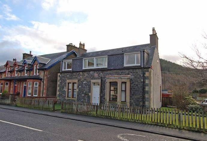 2 Bedrooms Flat for sale in 30 Princess Street, Innerleithen, EH44 6JX