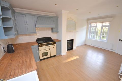 3 bedroom semi-detached house for sale - Boreham