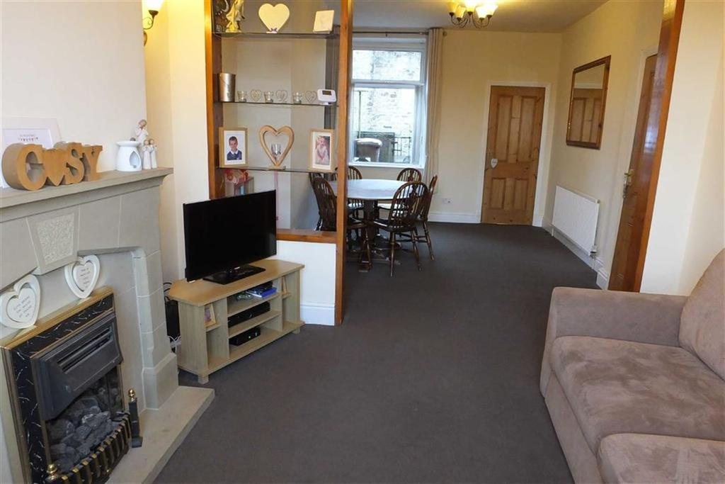 3 Bedrooms Terraced House for sale in Valley Road, Barnoldswick, Lancashire, BB18