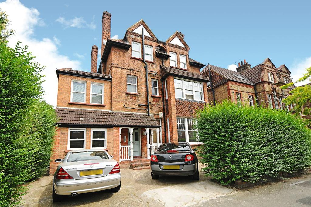 2 Bedrooms Flat for sale in Riggindale Road, Streatham