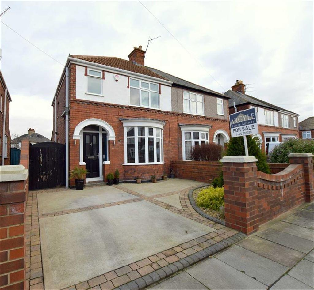 3 Bedrooms Semi Detached House for sale in Wendover Rise, Cleethorpes, North East Lincolnshrie