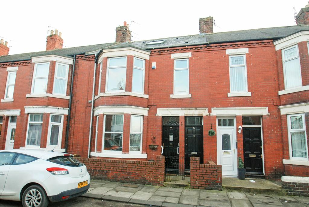 3 Bedrooms Maisonette Flat for sale in Crondall Street, South Shields
