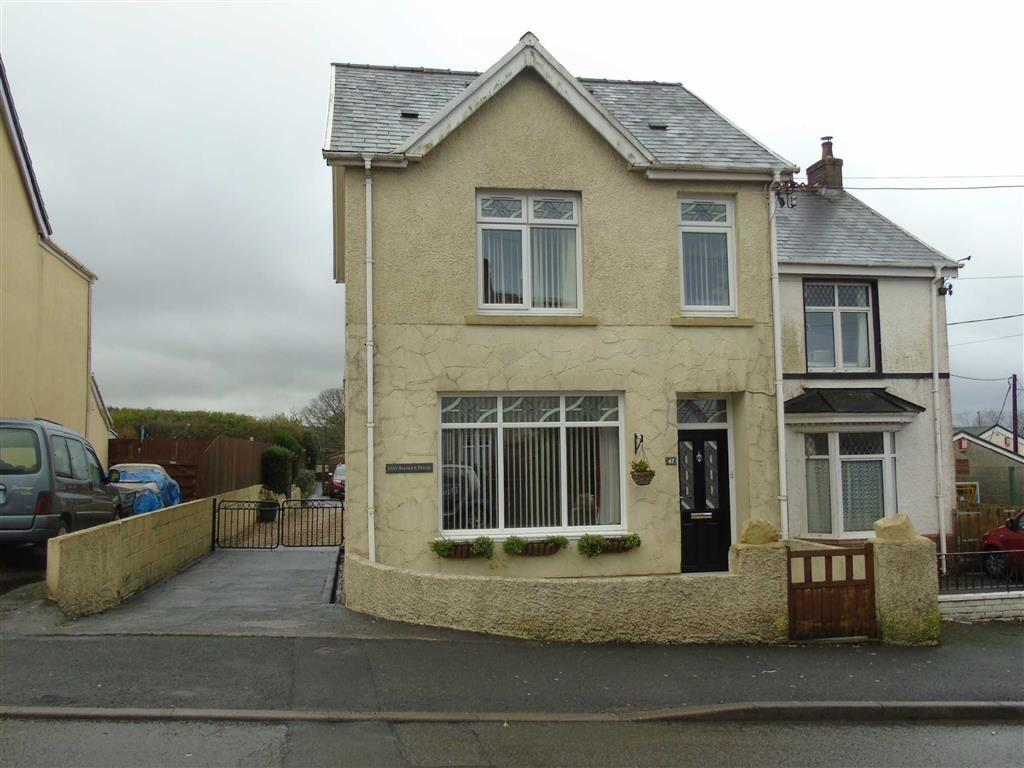 3 Bedrooms Semi Detached House for sale in Heol Y Neuadd, Tumble, Llanelli