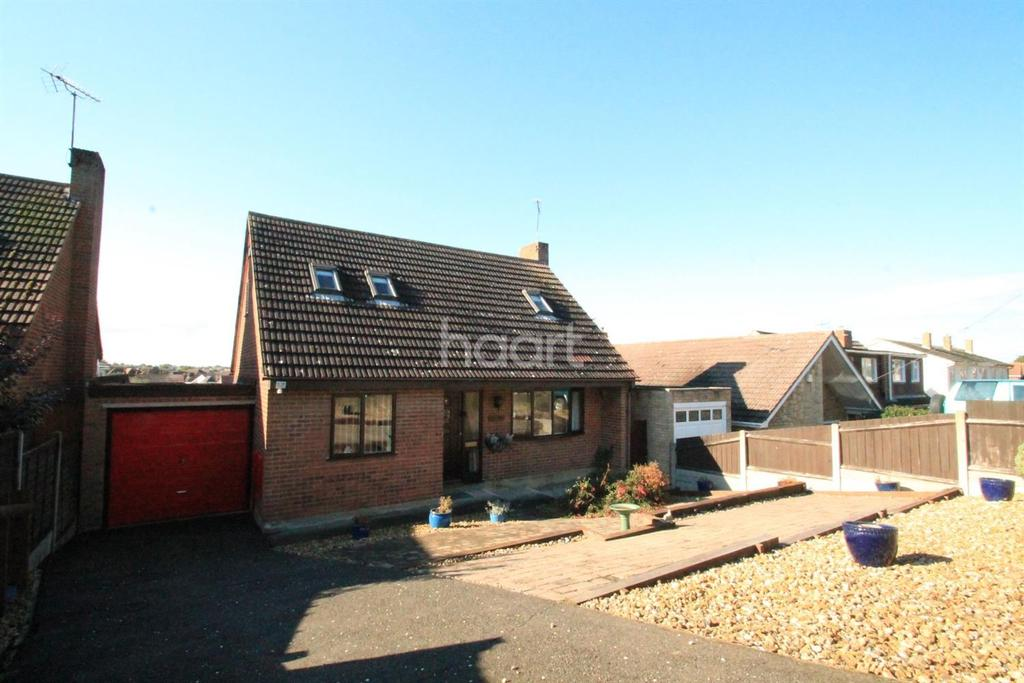 2 Bedrooms Bungalow for sale in Clovelly Drive, Minster on Sea