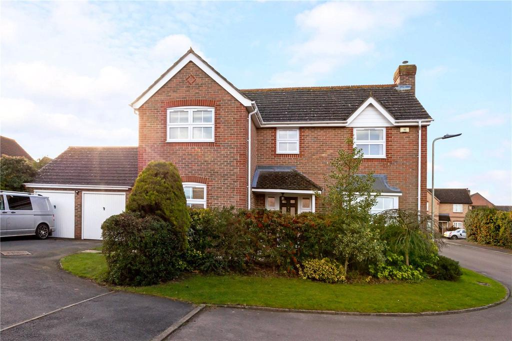 4 Bedrooms Detached House for sale in Naseby Rise, Newbury, Berkshire, RG14