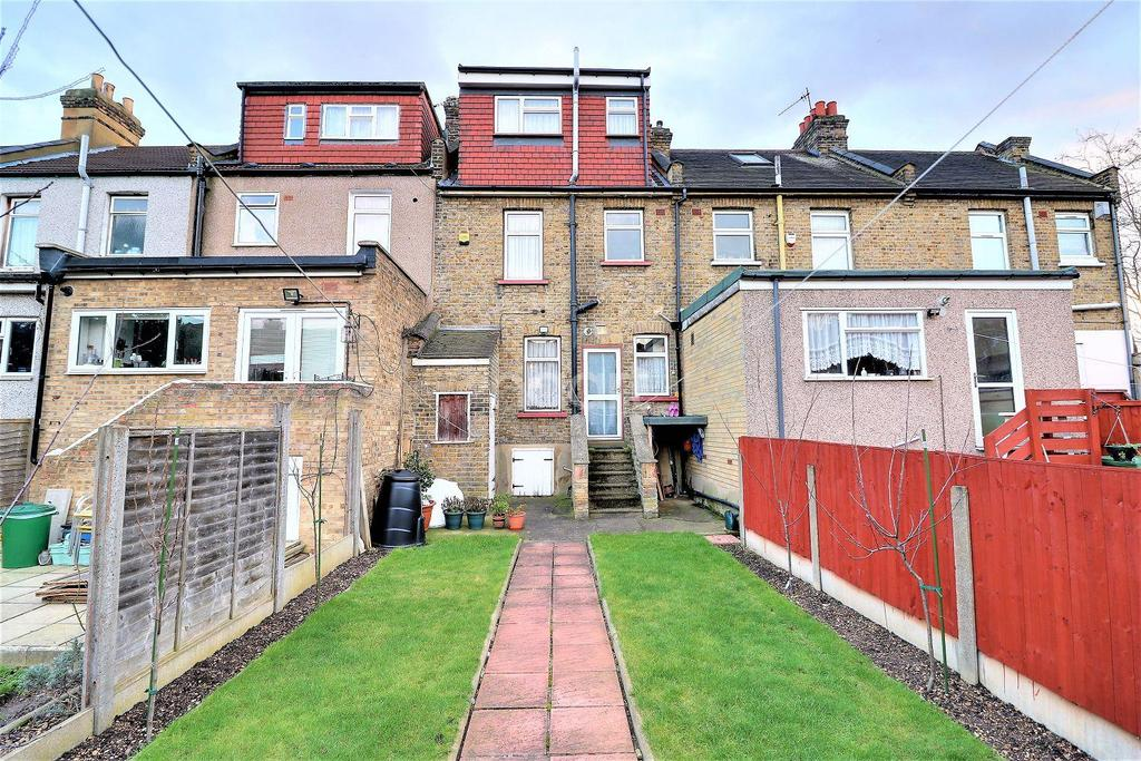 3 Bedrooms Terraced House for sale in Hunter Road, Ilford, Essex