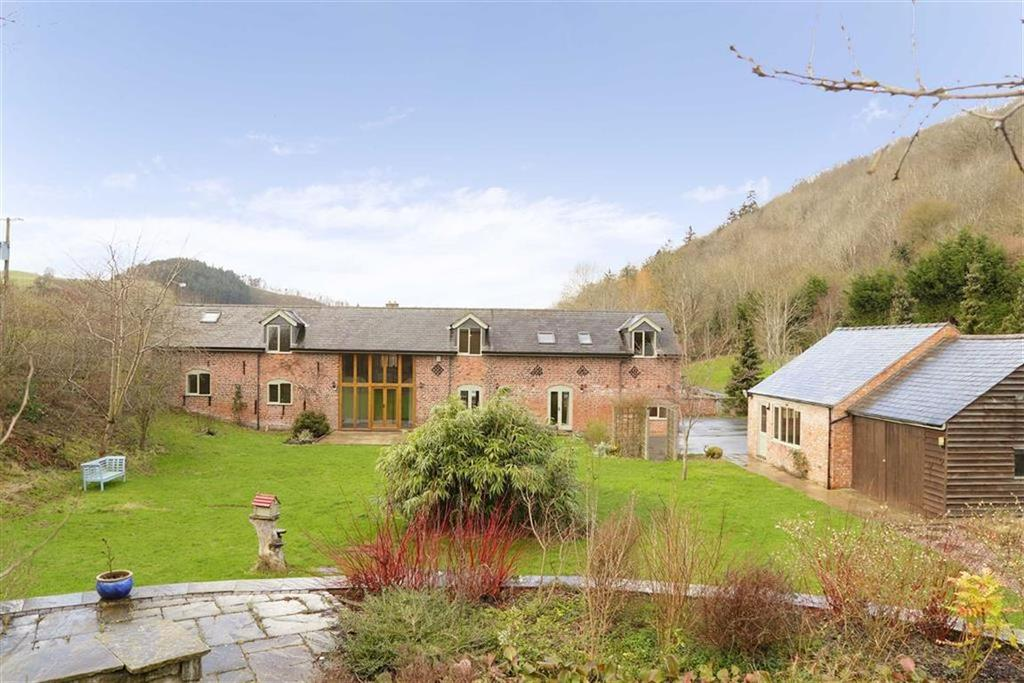 4 Bedrooms Country House Character Property for sale in Foel Farm, Llansantffraid, SY22