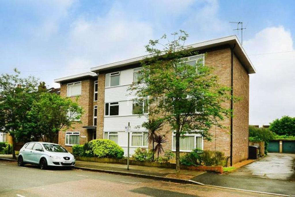 1 Bedroom Flat for sale in Graham Road, Wimbledon, SW19