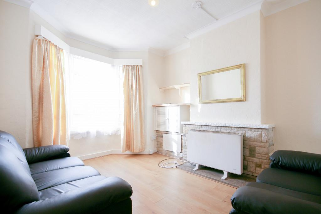 2 Bedrooms Terraced House for sale in Beechcroft Road, London, SW17