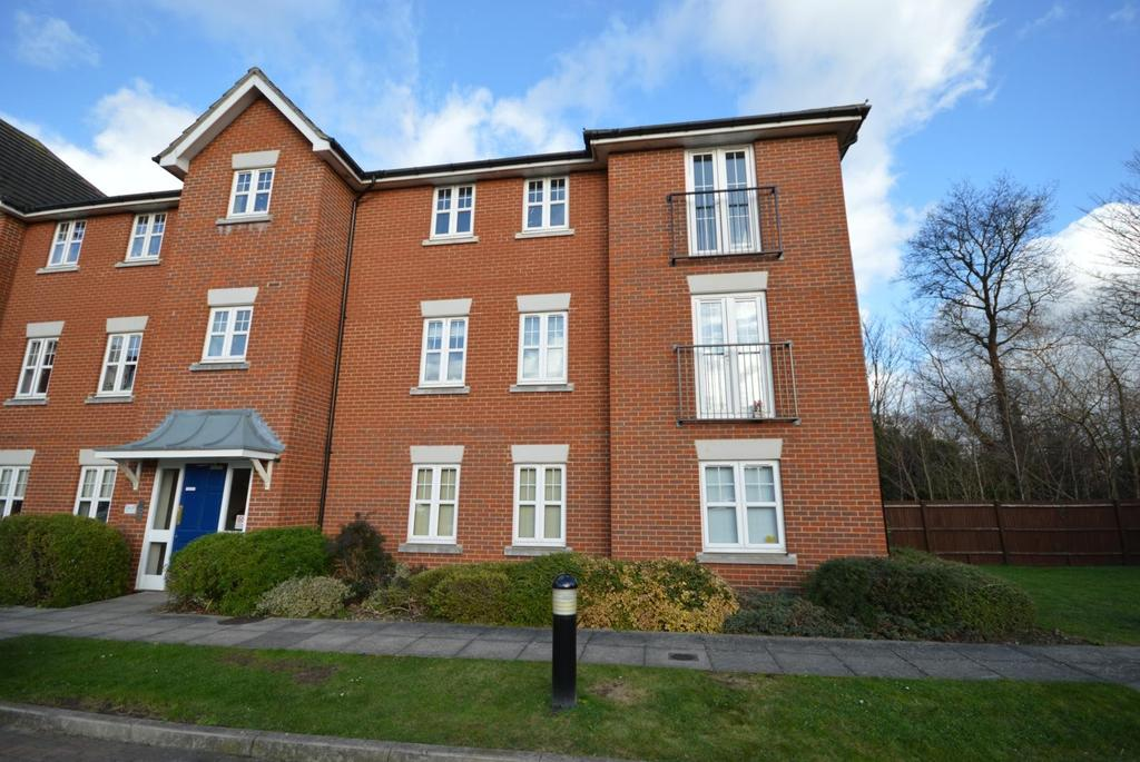 2 Bedrooms Apartment Flat for sale in Seymour Place, North Street, Hornchurch, Essex, RM11