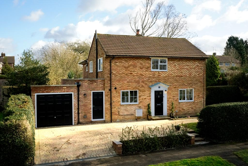 4 Bedrooms Detached House for sale in The Commons, Welwyn Garden City AL7