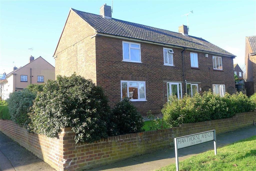 3 Bedrooms Semi Detached House for sale in Hawthorne Avenue, Rainham, Kent, ME8