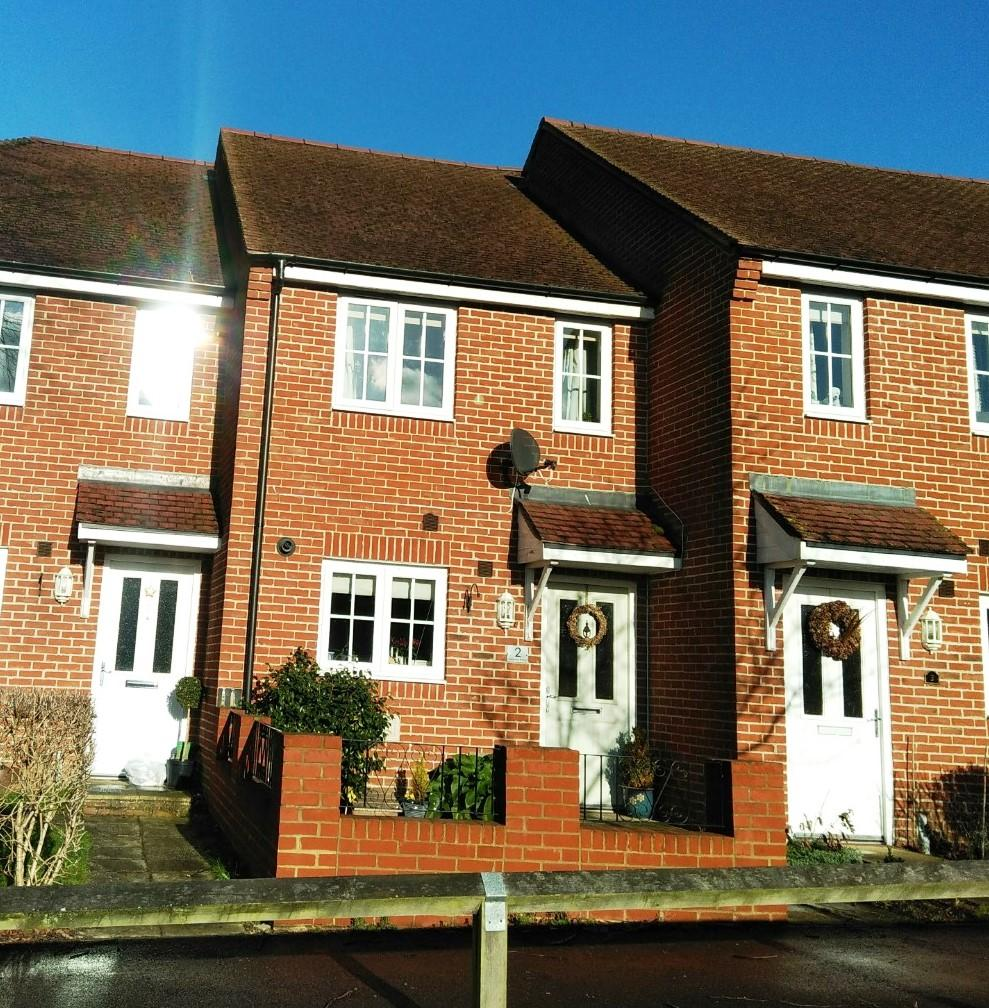 2 Bedrooms Terraced House for sale in Toronto Road, Petworth GU28