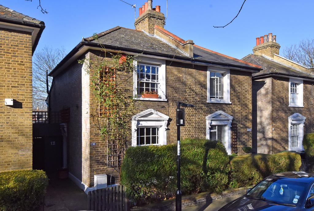 3 Bedrooms Semi Detached House for sale in Upper Brockley Road