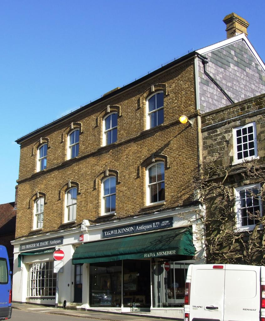 2 Bedrooms Apartment Flat for sale in Market Square, Petworth GU28