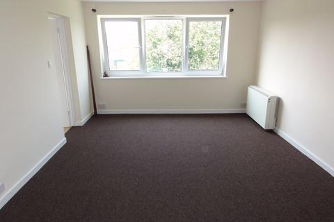 Studio to rent - Banfor Court, Clarendon Road, Wallington, Surrey