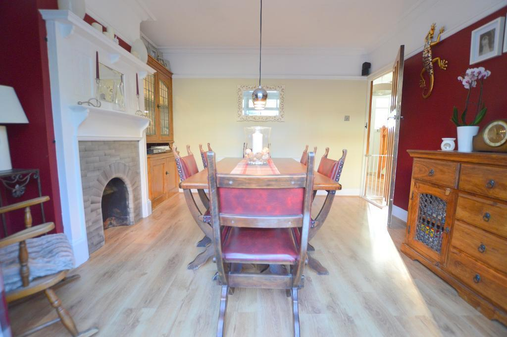3 Bedrooms Semi Detached House for sale in Farley Hill, Farley Hill, Luton, LU1 5HQ