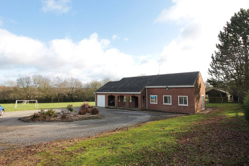 4 Bedrooms Detached Bungalow for sale in Hall Lane, Donisthorpe