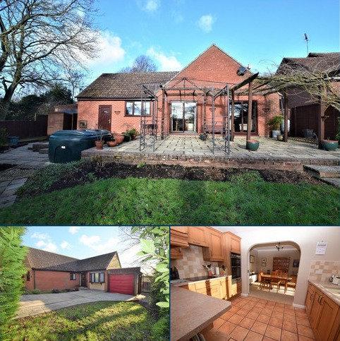 3 bedroom detached bungalow for sale - Monks Eleigh, Ipswich IP7 7JH