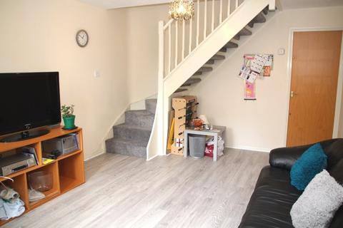 2 bedroom semi-detached house to rent - Brocade Close Brocade Close,  Salford, M3