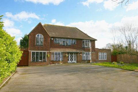 5 bedroom detached house for sale - Beaconsfield Road, Farnham Common, Buckinghamshire SL2
