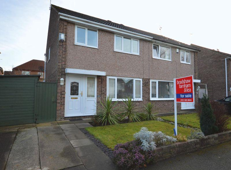 3 Bedrooms Semi Detached House for sale in Foxwood Close, Newton